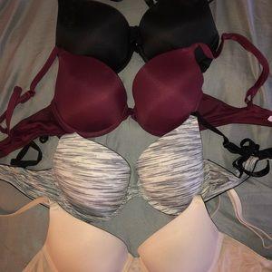 Lot of 10 32C Victoria's Secret Bras